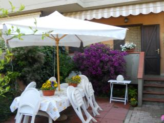 Delizioso appartamento in villetta con giardino