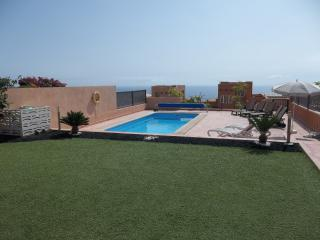 AG172780 | Stunning 3 Bedroom Villa. Costa Adeje.