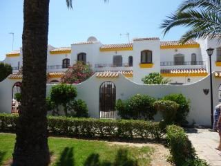 Town House with Wifi, a/c golf beach large pool, Roquetas de Mar