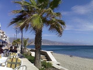 Nearby Beach with 7 km promanade