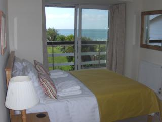 Bedroom 2 walk out onto the balcony for morning tea?