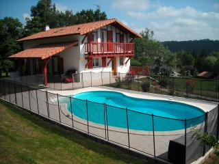Larressore Villa, Close to Biarritz