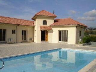 1225-Limassol Villa, Monagroulli