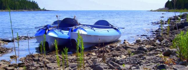 Paddle a kayak from the cottage to the lake or swimming raft
