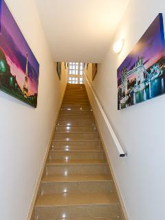 Communal entrance for apartment
