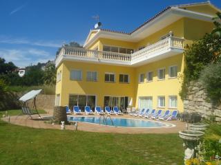 Villa Urcasa . canyelles, Canyelles