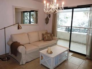 2 chambre à coucher Madrid blanche Cannes appartement avec une terrasse