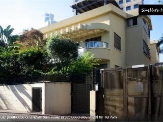 Shelly's Home Boutique Apartment +, Ramat Gan