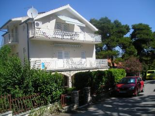 A-4 nice apartment excellent location big balcony 12m2, yust 250m to the beach