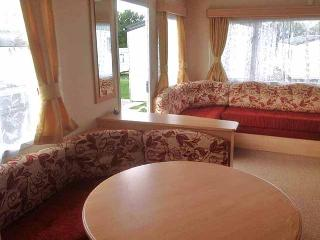 Rambling Rose, dog friendly caravan sleeps 6 on award winning Rockley Park Poole