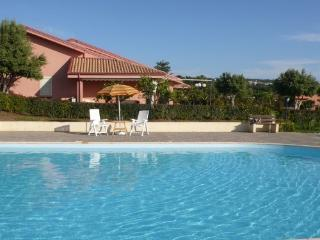 Holiday Villa with shared pool, Capo Vaticano
