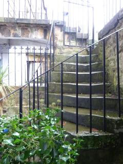 Access from the street via stairs