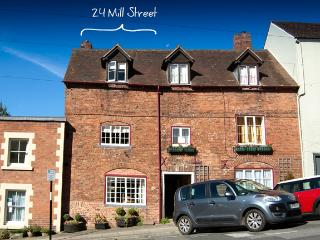 24 Mill Street Ludlow - Charming 18th Century townhouse  Parking Permit included