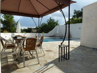 Drosato Manor. Stunning Villa with private pool and full air conditioning.