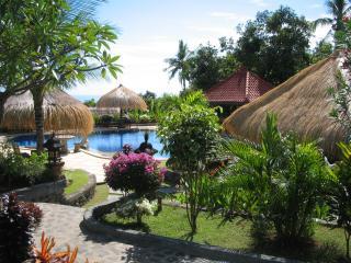 Taman Burung Lovina Bali, Lovina Beach