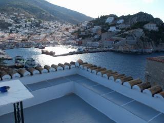 Theodora's amazing view house, Hydra Town