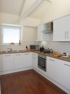 Kitchen with integrated appliances