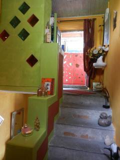 2ème palier, arrivée au cabinet de toilette et chambres