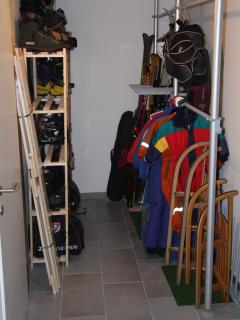 Secure private ski and boot cellar with large drying room, washing machine and tumble dryer