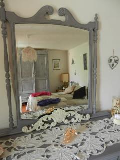 reflet dans le miroir de la chambre Romantica