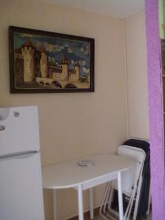 Réfrigérateur-congélateur neuf, tableau canevas Cité de Carcassonne pièce unique faite main