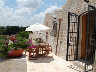 Stunning Trulli With Pool, Views, Air Con, WiFi, Alberobello