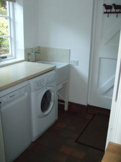 Utility Room with dishwasher and washer/dryer