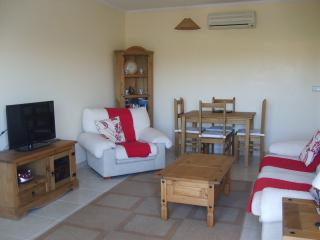 Two Bed with Air-Con and Garden, San Cayetano
