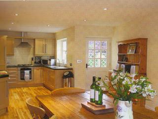 Spacious kitchen dining room (seats 10) - ideal for a celebration meal!