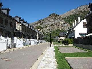 Casas y apartamentos en Escarrilla 4/6/8 pax