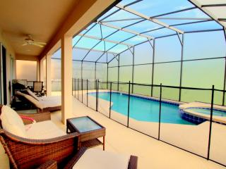 Elegant Pool/Spa Villa Near Disney, Kissimmee
