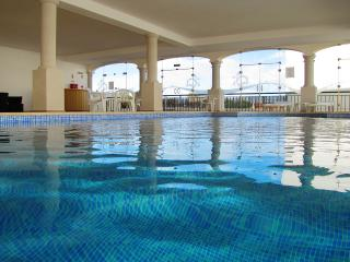 Swimming pool - heated all year around