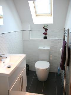 en-suite bathroom with......