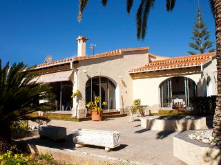 COSY VILLA IN 2nd BEACHFRONT, Els Poblets