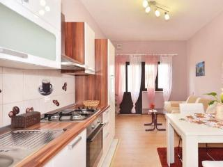 Charming apartment LaLe, Podstrana