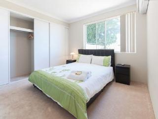 H2 Luxury Double 4km to Perth city, East Victoria Park