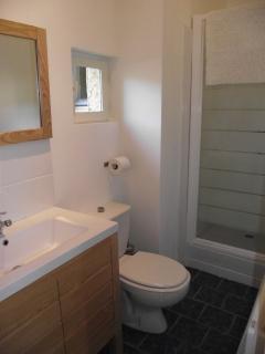 Ground level King bedroom ensuite shower room