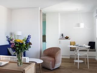 L'Elysee by Homestay, a furnished luxury flat