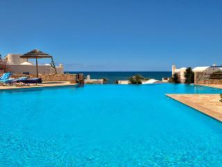 Luxury Beach Villa with sea views and swimming pool