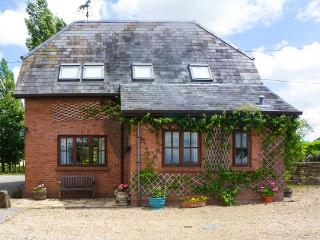THE STABLES, pet friendly, character holiday cottage, with a garden in Sturminst