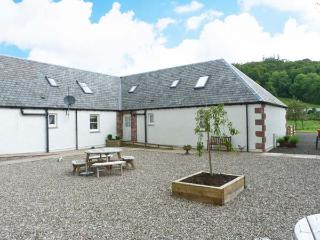 LON COTTAGE, en-suites, off road parking, garden, in Blairgowrie, Ref 28088