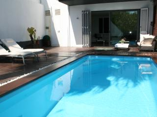 New modern house with pool, Pineda de Mar