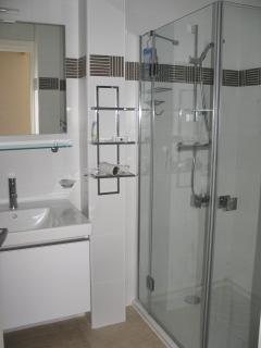 bathroom room 4