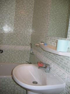 La Briqueterie bathroom