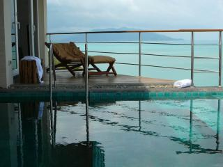 View looking over the SPA Drop off pool towards Koh Phan Gang in the back ground, great WOW view.