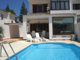 chalet piscina privada a 300 m