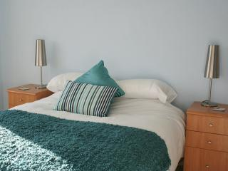 Aberdour  Apartment - coastal village near Edinburgh, just back as a holiday let