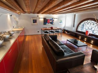 Charming Canal view Venice apartment in San Marco - Kitchen