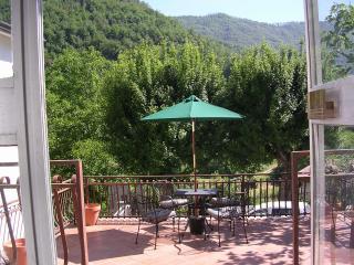 Casa Monica, Bagnone