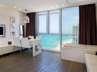 702 Apartment, District Tel Aviv